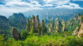 Krok w chmurach: niezwykły Park Narodowy Zhangjiajie (Chiny)