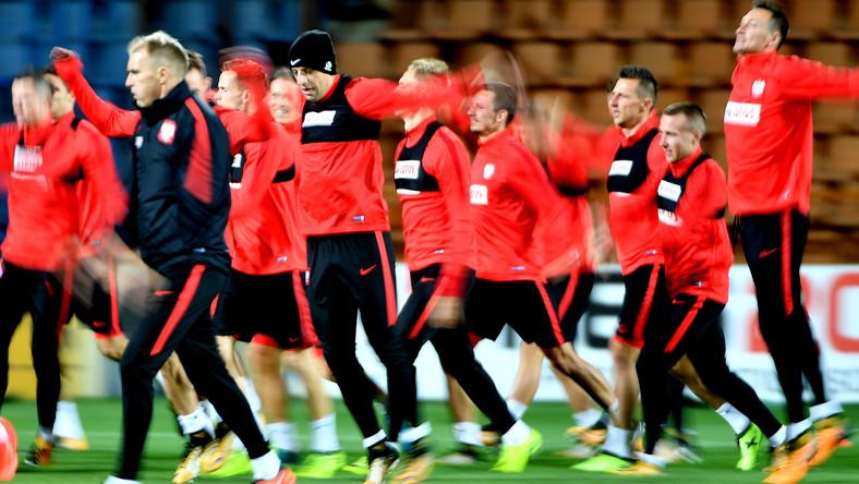 Piłkarze reprezentacji Polski podczas treningu w Erywaniu