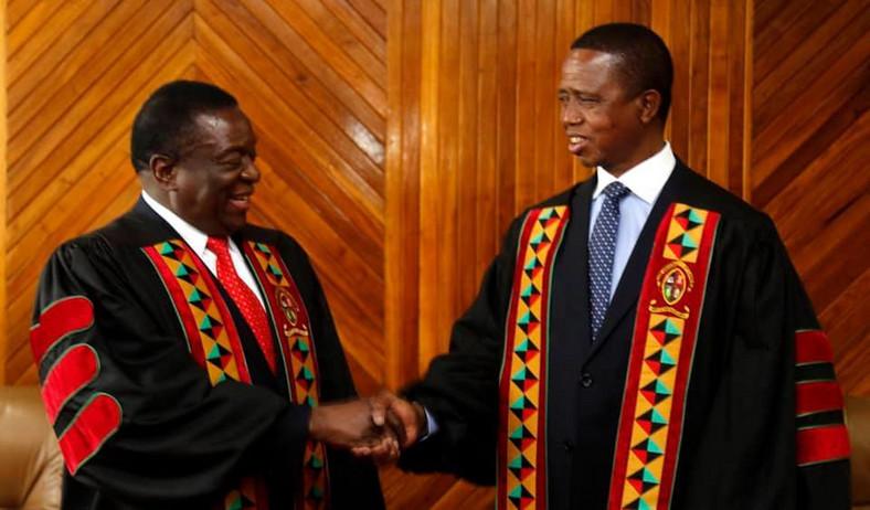 Zambian President Edgar Lungu (R) and his Zimbabwean counterpart Emmerson Dambudzo Mnangagwa.
