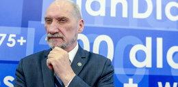 Macierewicz chce zmiany przepisów. Chodzi o msze