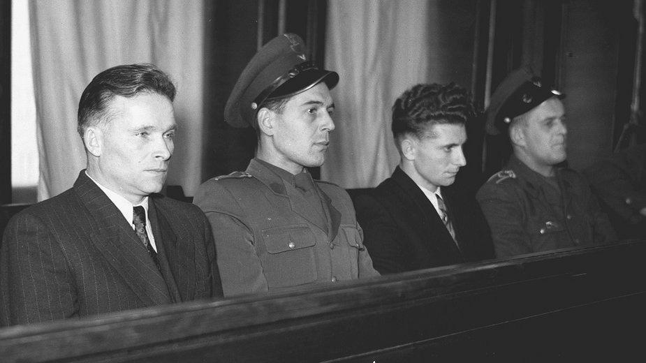 Warszawa 1953 r. Stefan Skrzyszowski i Dionizy Sosnowski podczas pokazowego procesu