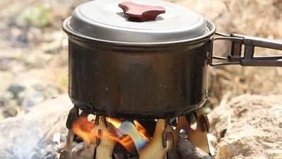 Ondo residents return to firewood, charcoal as cooking gas price soars. [alexnld]
