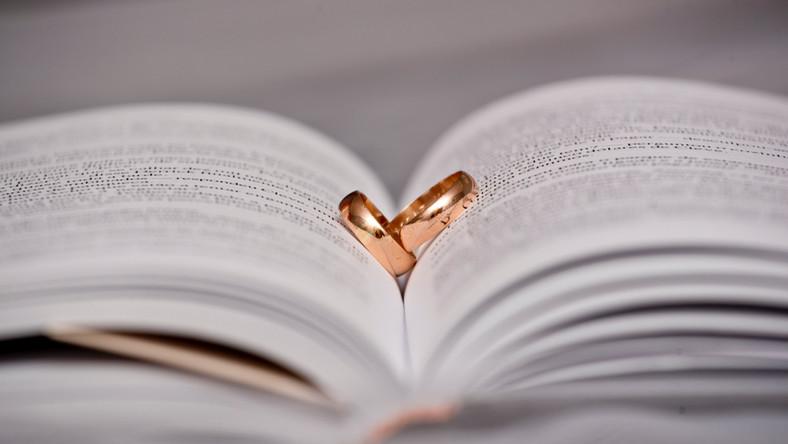 ślub Kościół rozwód kościelny fot. Shutterstock
