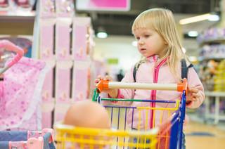 Rzecznik Praw Dziecka: Nie zabierajcie dzieciom zabawek i pozwólcie ich rodzicom być z nimi