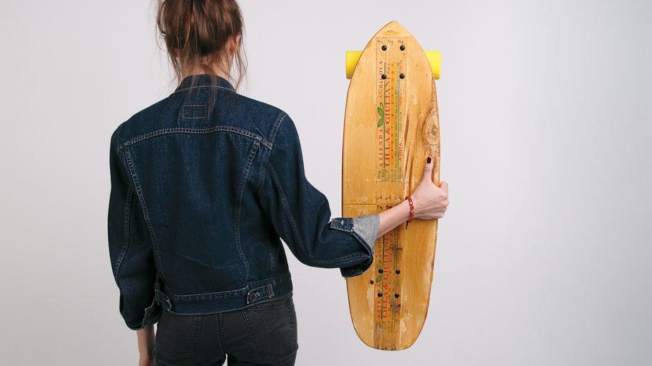Longboard z recyklingu