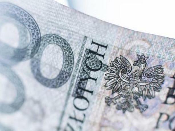 Sejm uchwalił w piątek rządową nowelizację ustawy o minimalnym wynagrodzeniu za pracę. Nowela przygotowana przez MRPiPS zakłada wyłączenie tzw. dodatku stażowego z podstawy wymiaru wynagrodzenia minimalnego za pracę.