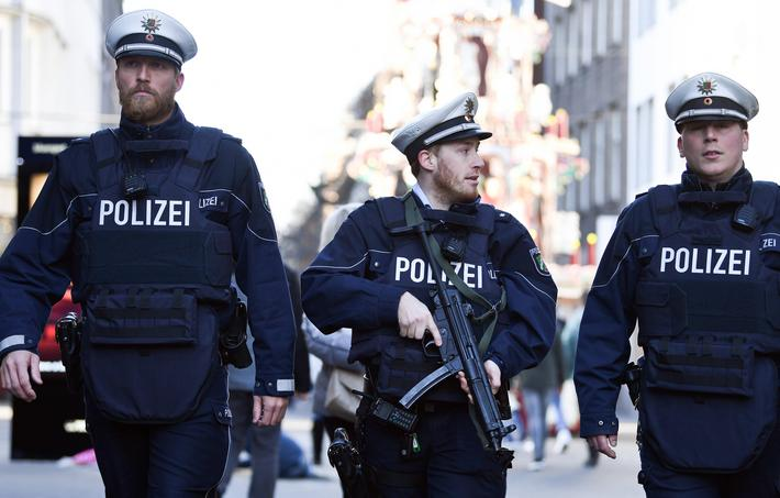 Police presence at Christmas market in Duesseldorf