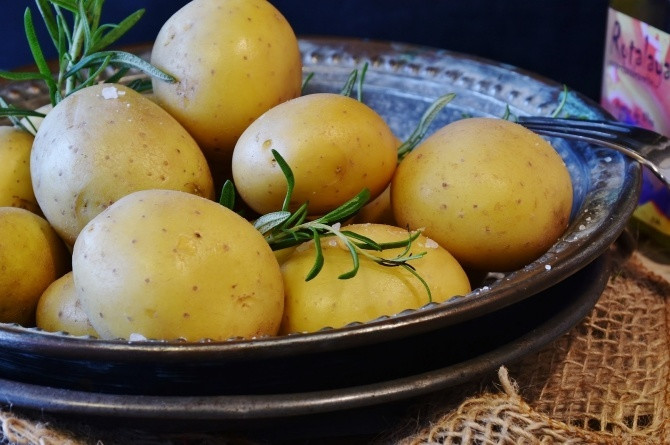 5 creative ways to cook potatoes that your family would love. [Image   Pixabay]