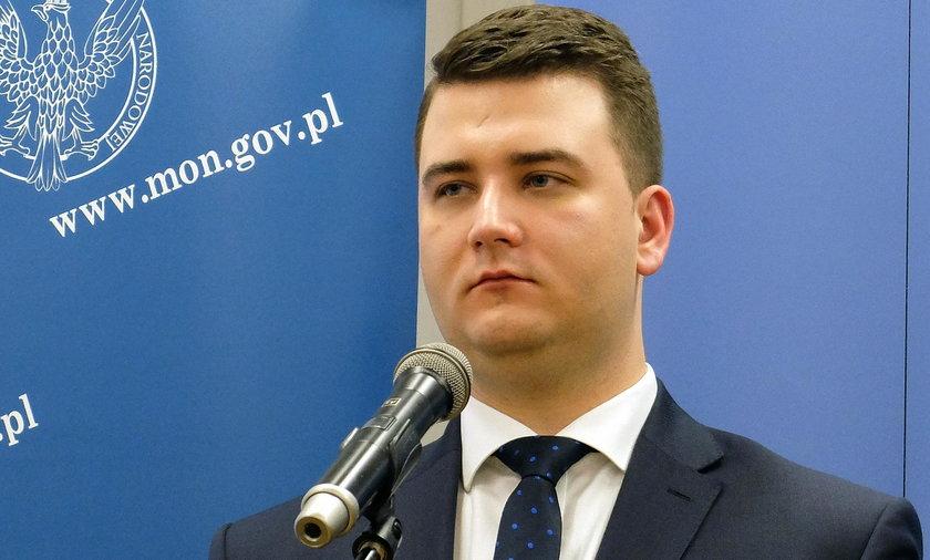 Wiceminister obrony broni Misiewicza
