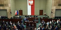 Sejm nie chce dać pieniędzy medykom walczącym z koronawirusem
