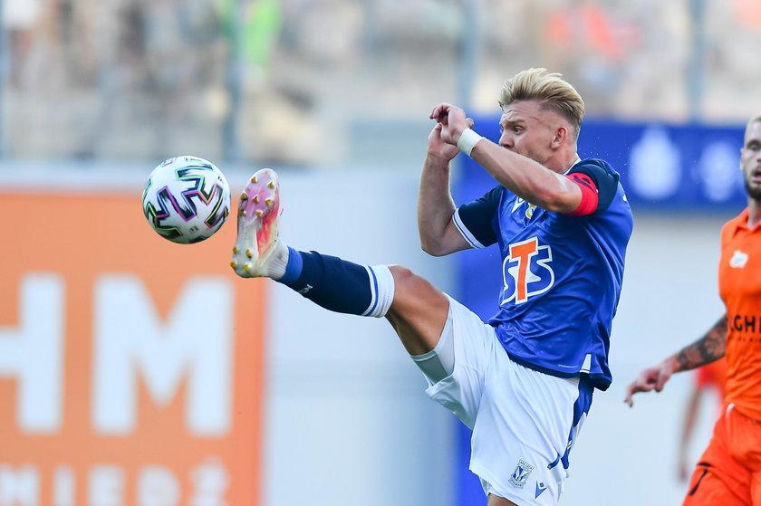 To już niemal przesądzone. Skrzydłowy Lecha Poznań Kamil Jóźwiak (22 l.) ma trafić do Derby County, które zapłaci za niego ponad cztery miliony euro.