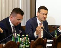 """Morawiecki: Ministerstwo Finansów """"znacząco utrudniło życie"""" karuzelom VAT"""