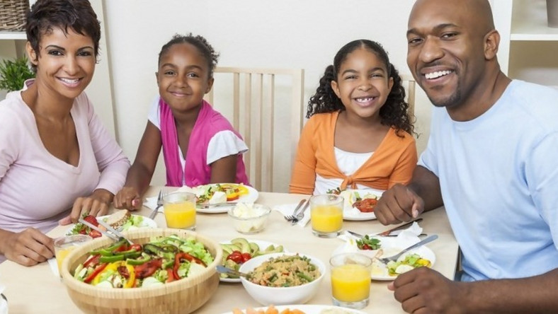 Choosing or preparing healthy food for teenagers isn't the only way to help them develop a healthy lifestyle. Here's how to nurture them to make the same choices for themselves