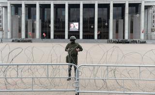 Białoruś: Ponad 900 spraw karnych wobec protestujących