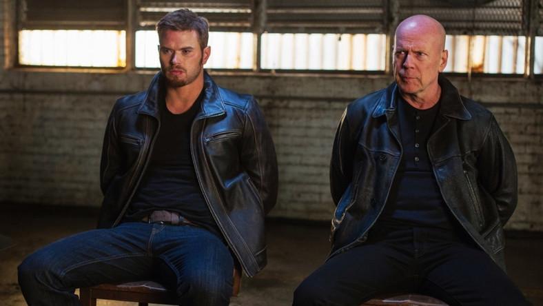 "Jaki ojciec, taki syn... Bruce Willis i Kellan Lutz w filmie ""Extraction"""