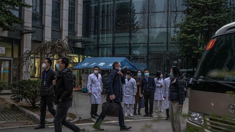 Eksperci WHO w Wuhan