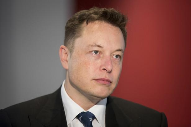 Elon Musk przez jednych uznawany za wizjonera, przez innych za szaleńca