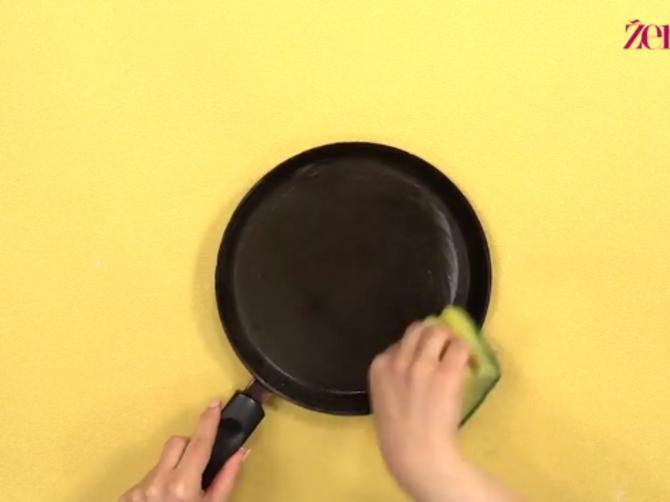 Ovaj sastojak imate u kuhinji, a čisti tiganj kao od šale