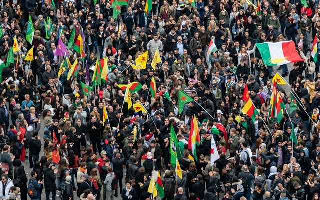 Protest Kurda u Frankfurtu zbog turske invazije na Siriju u oktobru 2019.