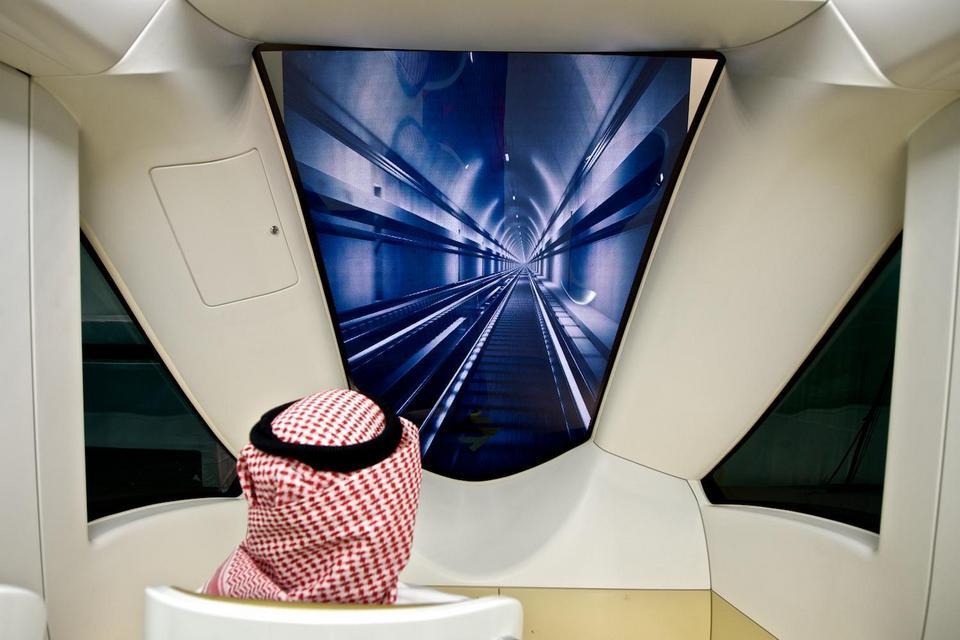 W pociągach nie ma maszynisty. Taki widok można będzie oglądać w Rijadzie, siadając z przodu i z tyłu składu.