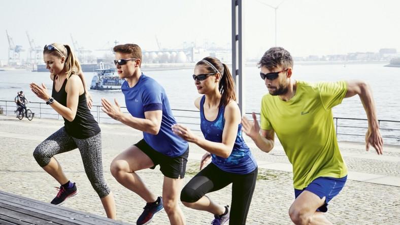 Podstawą komfortu i efektywności przy wysiłku jest odpowiedni sprzęt oraz akcesoria, dzięki którym sportowe zmagania stają się jeszcze przyjemniejsze. Dlatego specjalnie z myślą o miłośnikach biegania, Lidl przygotował ofertę, która doskonale sprawdzi się szczególnie w przypadku osób rozpoczynających swoją biegową przygodę.