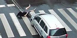 Potrącił mężczyznę na pasach i uciekł. Są zdjęcia