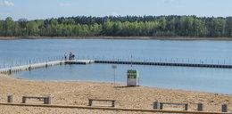 Dwie 17-latki kąpały się nago w jeziorze. Staną przed sądem