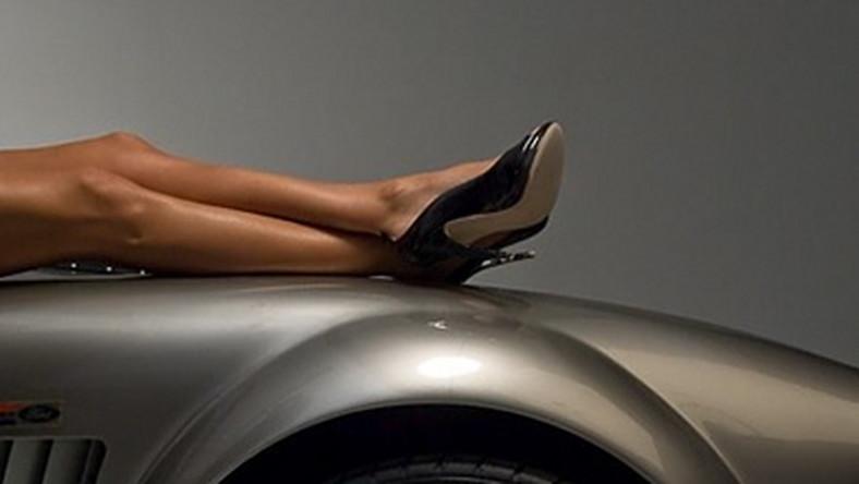 Danica Patrick, piękna zawodniczka formuły IndyCar trafiła na listę 100 najbardziej wpływowych postaci showbiznesu według tygodnika Forbes. U nas w sesji dla magazynu Sports Illustated