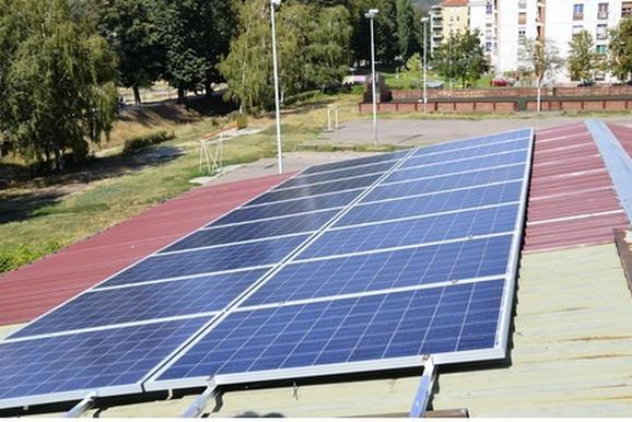 Sprave su opremljene inverterima, poput onih koje je moguće pronaći u solarnim panelima