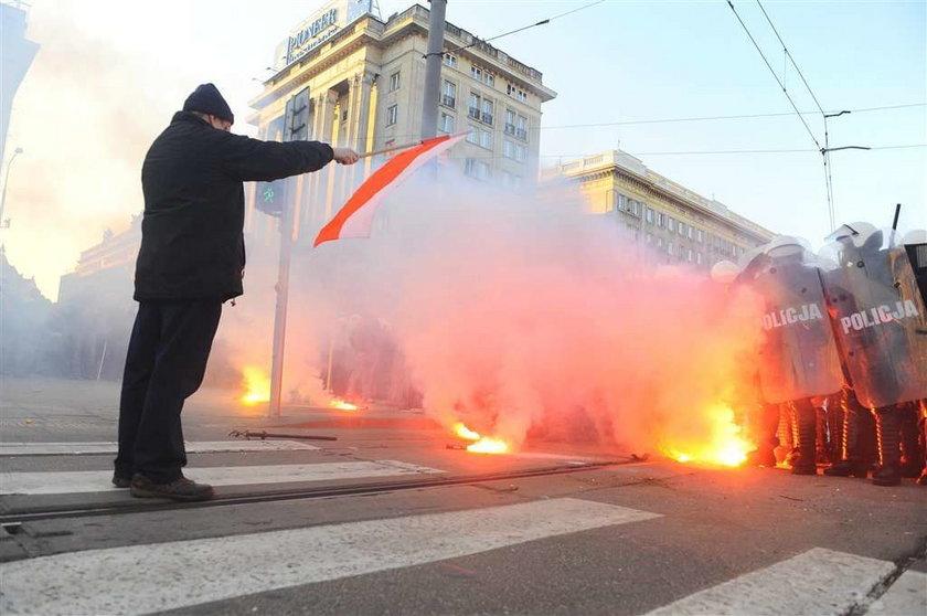 policja, zadyma, demonstracja, dzień niepodległości