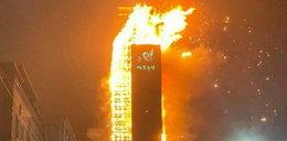 Pożar wieżowca. Ewakuowano setki osób, kilkadziesiąt poszkodowanych
