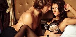 Podgrzej atmosferę w sypialni. Tak zrobisz erotyczny masaż