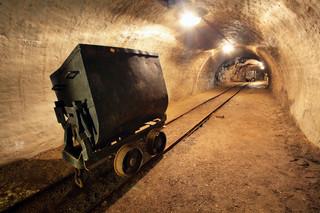 Ratownicy w Zofiówce nadal szukają górnika