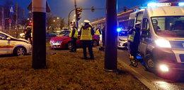 Wypadek na skrzyżowaniu. Dwaj policjanci w szpitalu