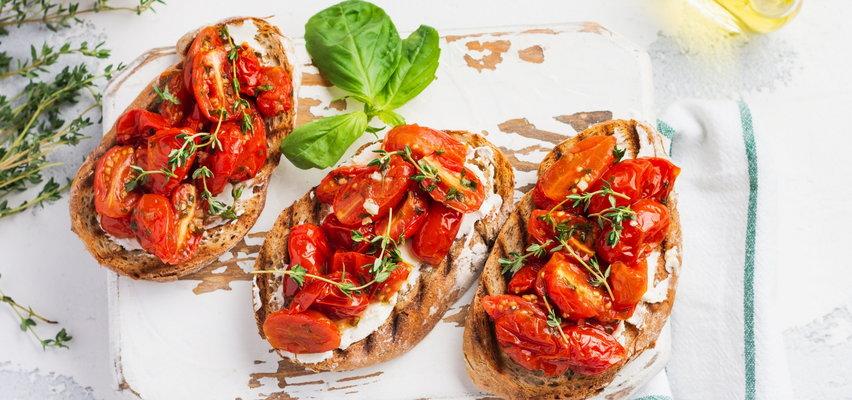 5 pomysłów na pyszne śniadanie. Łatwe i szybkie przepisy na tosty, omlet i jaglankę