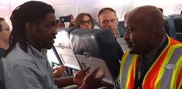 Wyrzucili go z samolotu, bo chciał do WC