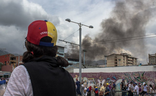 Japonia: Premier Abe wzywa do demokratycznego rozwiązania kryzysu w Wenezueli