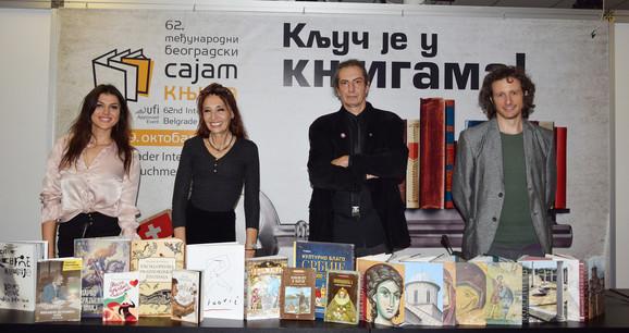 Žiri ULUPUDS sa nagrađenim knjigama