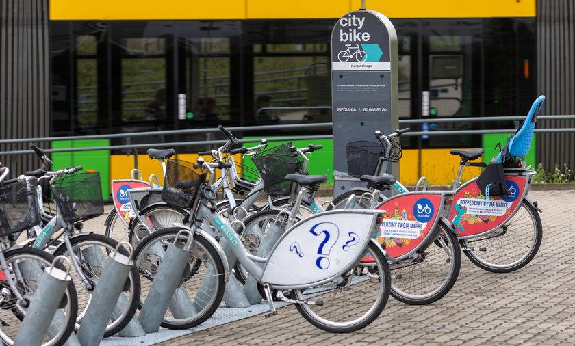 W mieście powstaje coraz więcej ścieżek rowerowych. Kto będzie nimi jeździł?