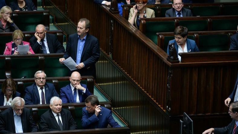 Rząd i posłowie PiS