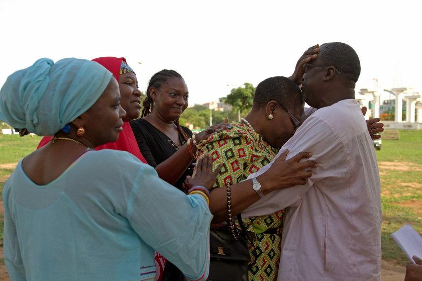 Członkowie samozwańczej straży  #BringBackOurGirls