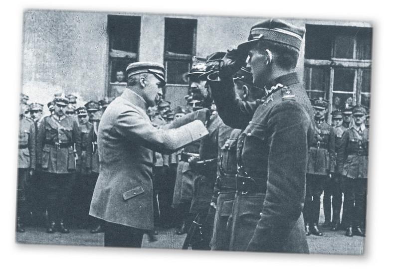 Odznaczenie oficerów Wojska Polskiego przez Naczelnika Państwa Józefa Piłsudskiego, Warszawa, 14.09.1920