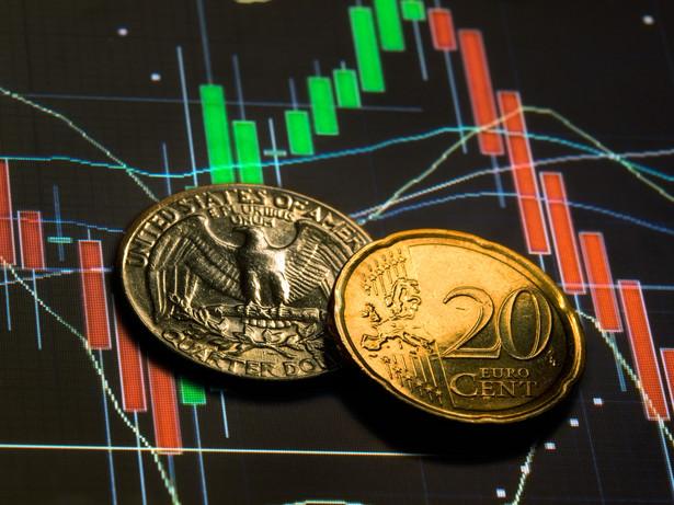 Wzrost notowań EUR/USD, prognozowany w rannym komentarzu, miał miejsce przy nadal utrzymujących się obawach o Hiszpanię i Grecję.