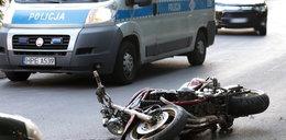 Pościg policji za motocyklistą. Wbił się w audi!