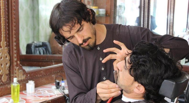 A hairdressing Salon in Afghanistan (BBC)