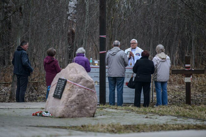 Polskie MSZ chce usunięcia tablic z miejsca katastrofy smoleńskiej