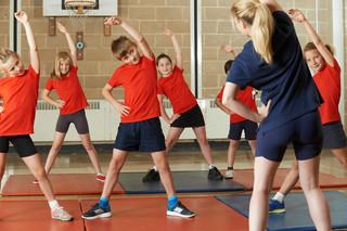 Sport w szkole tylko z dystansem