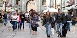 Tylu Polaków nie wierzy w epidemię