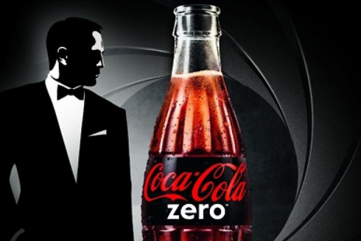 James Bond reklamuje Coca Colę