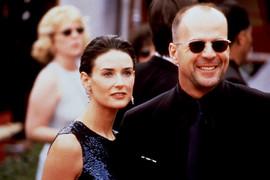 Ljubio je Demi Mur: Sad je pored 23 GODINE MLAĐE supruge, a ona - ŽIVA VATRA